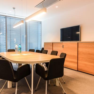 10 mobilier sala conferinta birou
