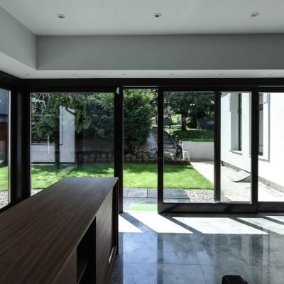 2 usi lemn terasă