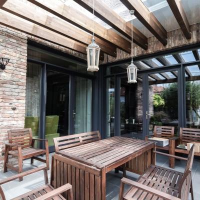 6 usi lemn terasă
