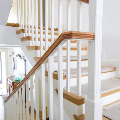 1 scara cu balustrada lemn