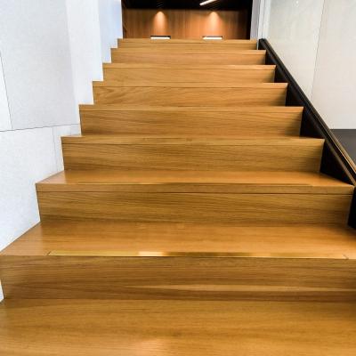 3 scari lemn si sticla
